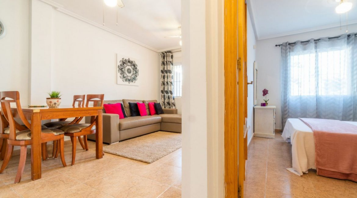 2 Bedrooms Bungalow For Sale Close to Zenia Boulevard and Flamenca Beach (16)