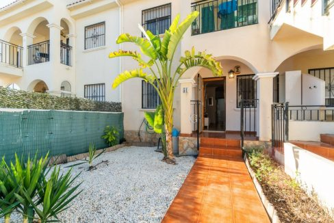 2 Bedrooms Bungalow For Sale Close to Zenia Boulevard and Flamenca Beach (17)