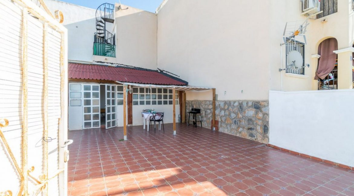 2 Bedrooms Bungalow For Sale Close to Zenia Boulevard and Flamenca Beach (22)