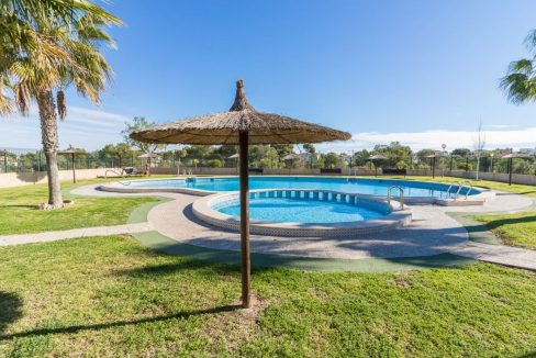 2 Bedrooms Bungalow in Orihuela Costa Close to Zenia Boulevard Shopping Center (16)