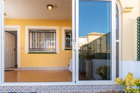 2 Bedrooms Bungalow in Orihuela Costa Close to Zenia Boulevard Shopping Center (19)