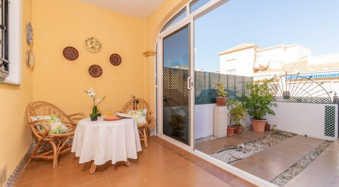 2 Bedrooms Bungalow in Orihuela Costa Close to Zenia Boulevard Shopping Center (4)