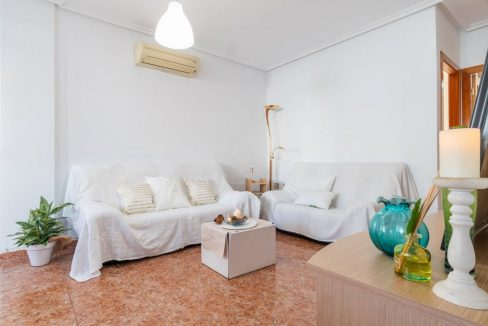 2 Bedrooms Bungalow in Orihuela Costa Close to Zenia Boulevard Shopping Center (5)