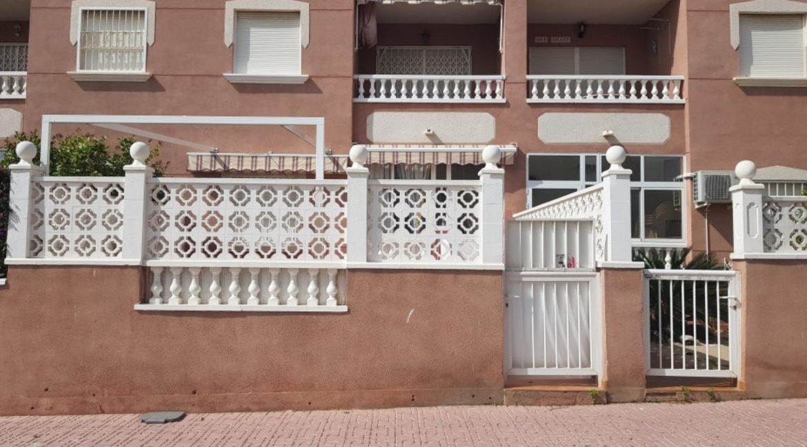 2 Bedrooms Ground Floor Bungalow For Sale Close To La Mata Beach (4)