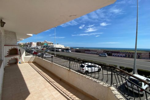 3 Bedrooms Apartment For Sale with Frontal Sea Views in Torrevieja (2)