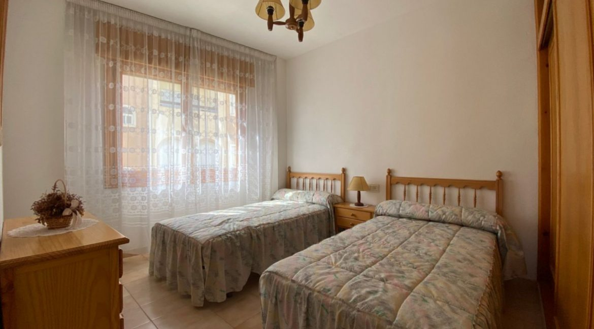 3 Bedrooms Apartment For Sale with Frontal Sea Views in Torrevieja (24)