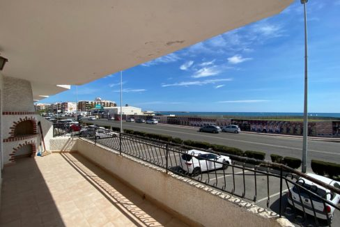 3 Bedrooms Apartment For Sale with Frontal Sea Views in Torrevieja (25)