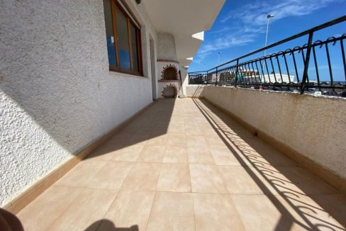 3 Bedrooms Apartment For Sale with Frontal Sea Views in Torrevieja (26)