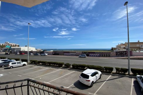 3 Bedrooms Apartment For Sale with Frontal Sea Views in Torrevieja (3)