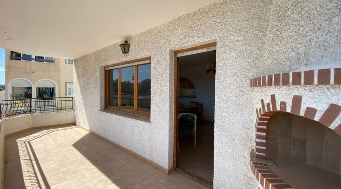 3 Bedrooms Apartment For Sale with Frontal Sea Views in Torrevieja (4)