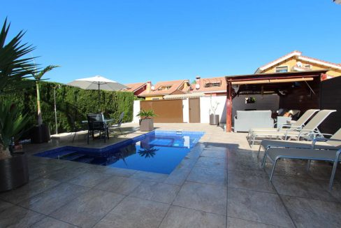 3 Bedrooms Detached Villa For Sale in Guardamar del Segura with Private Pool (16)