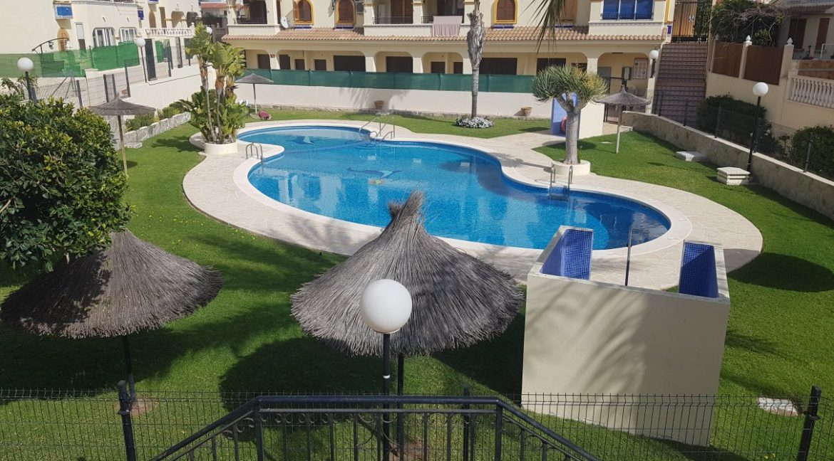 4 Bedrooms House For Sale in Torrevieja With Swimming Pool (2)