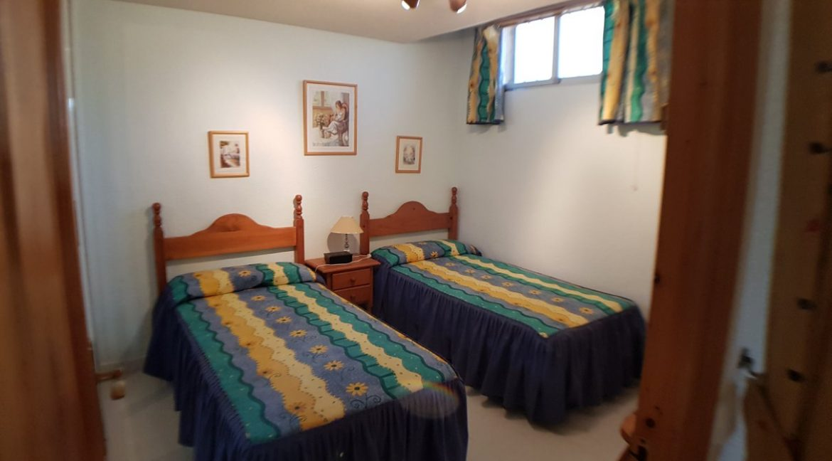 4 Bedrooms House For Sale in Torrevieja With Swimming Pool (20)