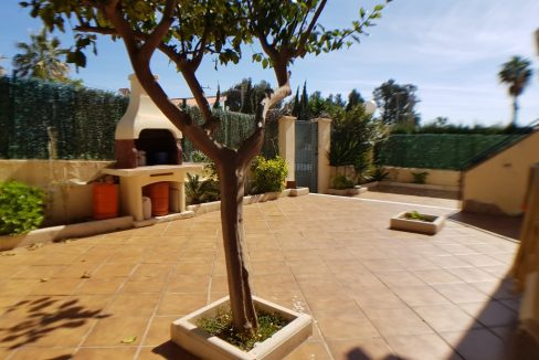 4 Bedrooms House For Sale in Torrevieja With Swimming Pool (3)