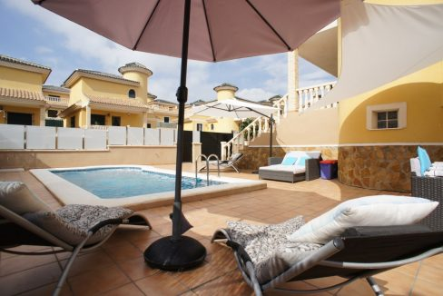 4 bedrooms independent villa with swimming pool for sale in Orihuela Costa