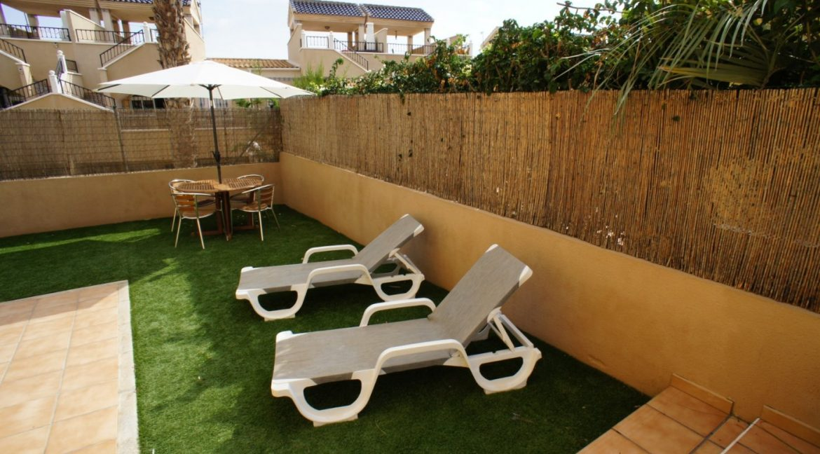 4 bedrooms independent villa with swimming pool for sale in Orihuela Costa (13)