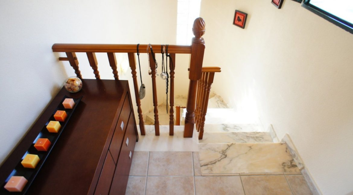 4 bedrooms independent villa with swimming pool for sale in Orihuela Costa (31)