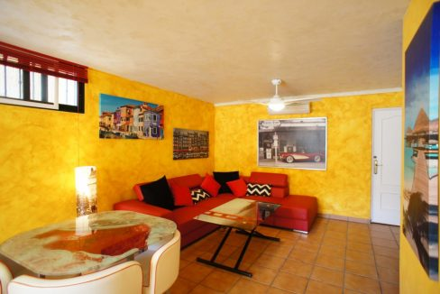 4 bedrooms independent villa with swimming pool for sale in Orihuela Costa (42)