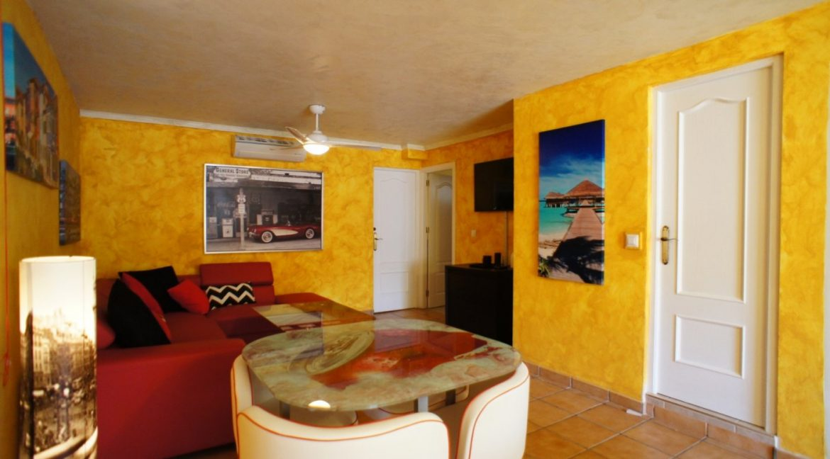 4 bedrooms independent villa with swimming pool for sale in Orihuela Costa (47)