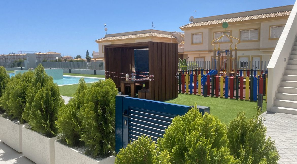 New Build 2 and 3 Bedrooms Apartments Close to la Zenia Boulevard in Playa Flamenca (2)