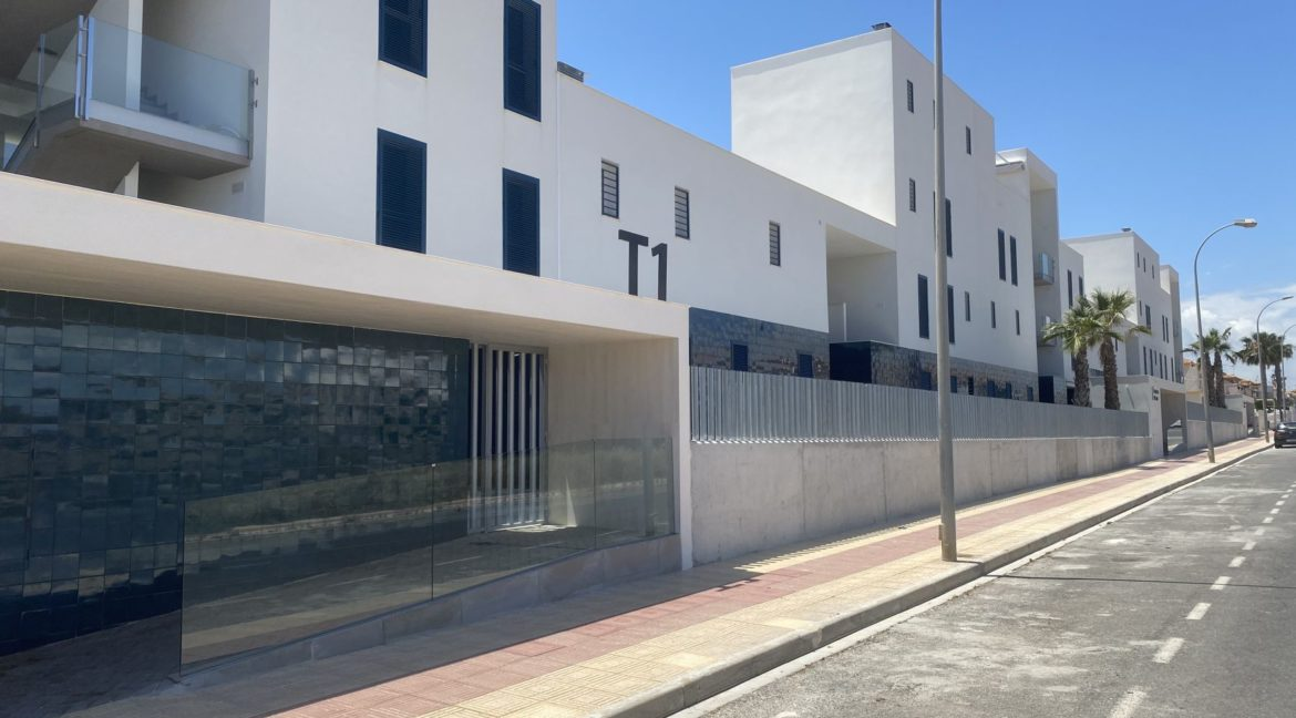 New Build 2 and 3 Bedrooms Apartments Close to la Zenia Boulevard in Playa Flamenca (4)