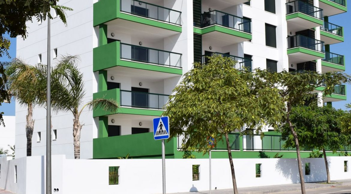 New Build Of 2 And 3 Bedrooms Apartments And Bungalows For Sale On Mil Palmeras Beach, Orihuela Costa (10)