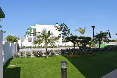 New Build Of 2 And 3 Bedrooms Apartments And Bungalows For Sale On Mil Palmeras Beach, Orihuela Costa