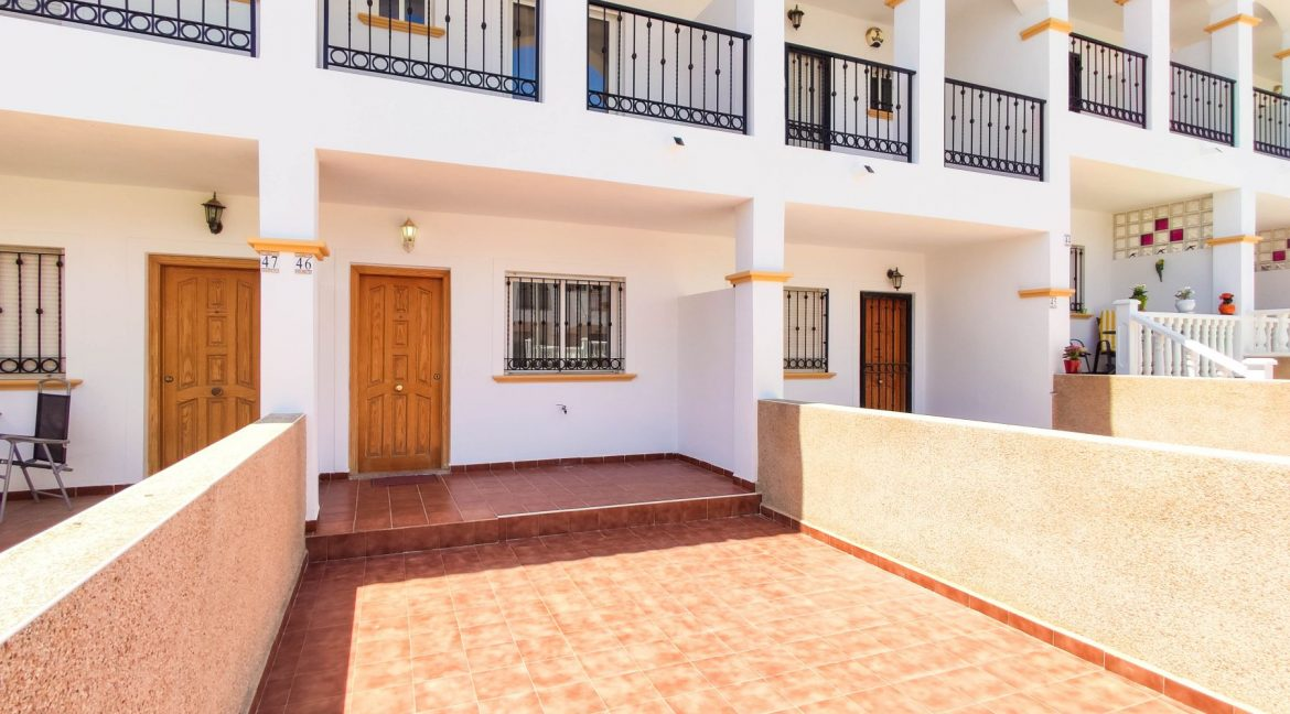 2 Bedrooms Apartment For Sale in Punta Prima Costa Blanca
