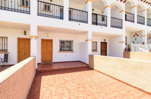 2 Bedrooms Townhouse For Sale in Punta Prima Costa Blanca