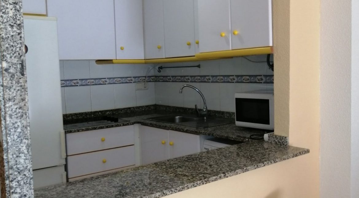2 Bedrooms Apartment For Sale with Community Pool in Torrevieja (16)