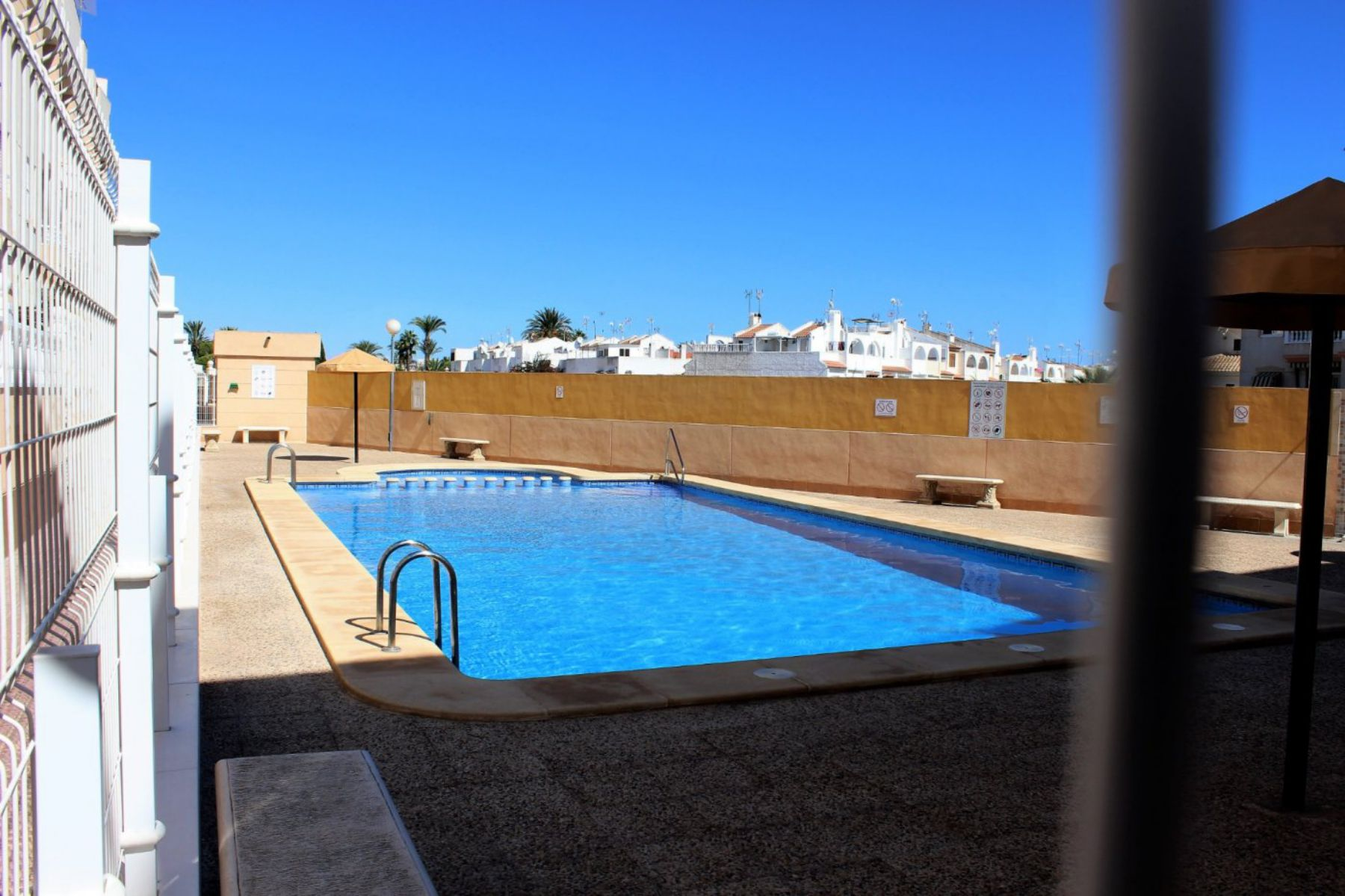 2 Bedrooms Apartment For Sale with Community Pool in Torrevieja