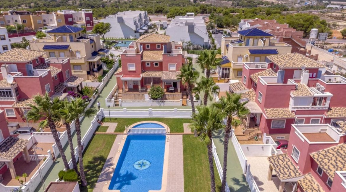 2 Bedrooms Townhouse For Sale in Torrevieja 139.000 € (30)
