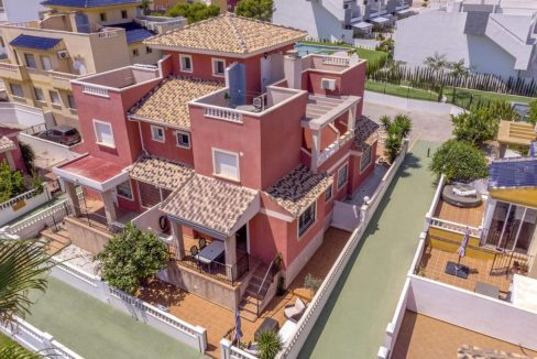2 Bedrooms Townhouse For Sale in Torrevieja 139.000 € (33)