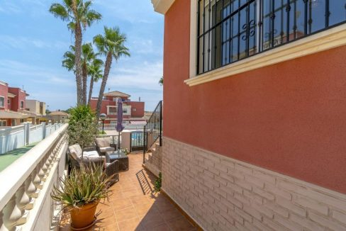 2 Bedrooms Townhouse For Sale in Torrevieja 139.000 € (36)
