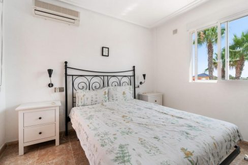 2 Bedrooms Townhouse For Sale in Torrevieja 139.000 € (45)