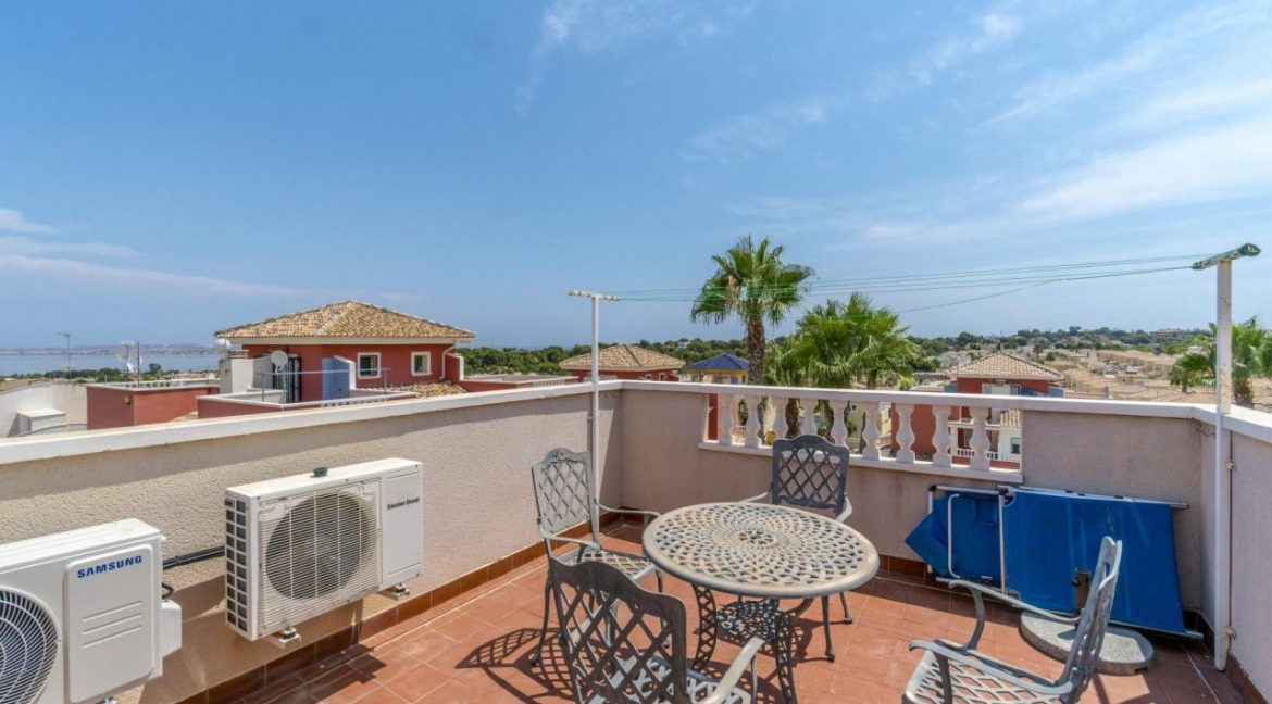 2 Bedrooms Townhouse For Sale in Torrevieja 139.000 € (48)