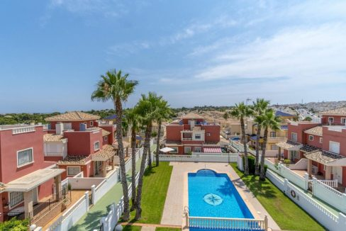 2 Bedrooms Townhouse For Sale in Torrevieja 139.000 € (49)