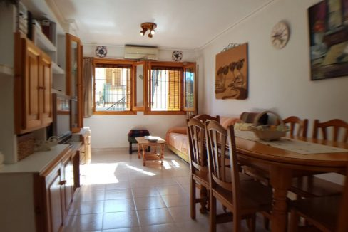 4 Bedrooms Bungalow For Sale With Large Private Garden In Torrevieja (13)