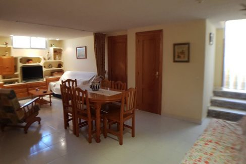 4 Bedrooms Bungalow For Sale With Large Private Garden In Torrevieja (20)