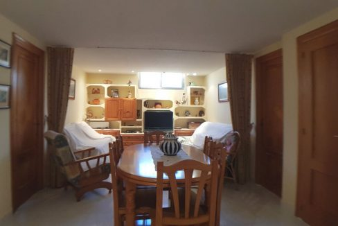 4 Bedrooms Bungalow For Sale With Large Private Garden In Torrevieja (21)