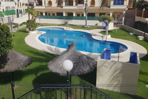 4 Bedrooms Bungalow For Sale With Large Private Garden In Torrevieja (3)
