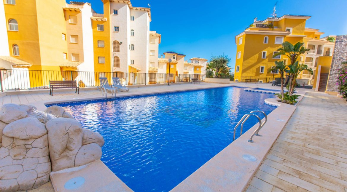 2 Bedrooms Townhouse For Sale With Sea View In Villamartin (13)