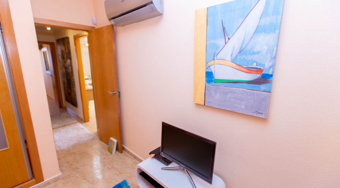 2 Bedrooms Townhouse For Sale With Sea View In Villamartin (85)