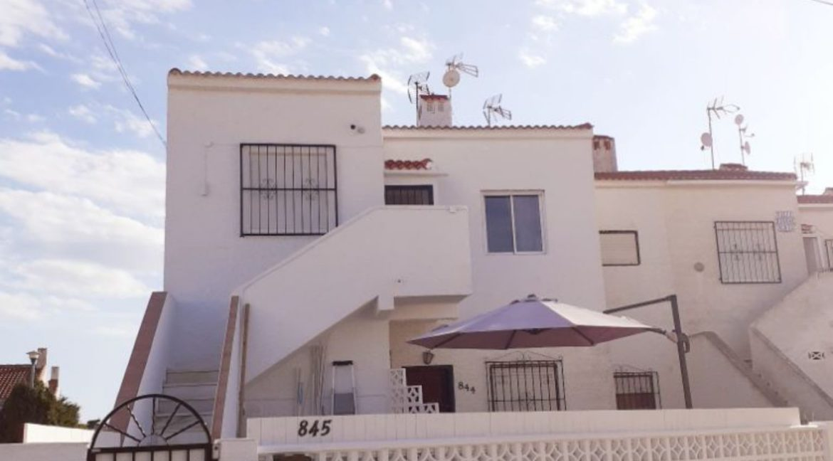 2 Bedrooms Ground Floor Bungalow in La Siesta For Sale Next to the Nature Reserve (11)