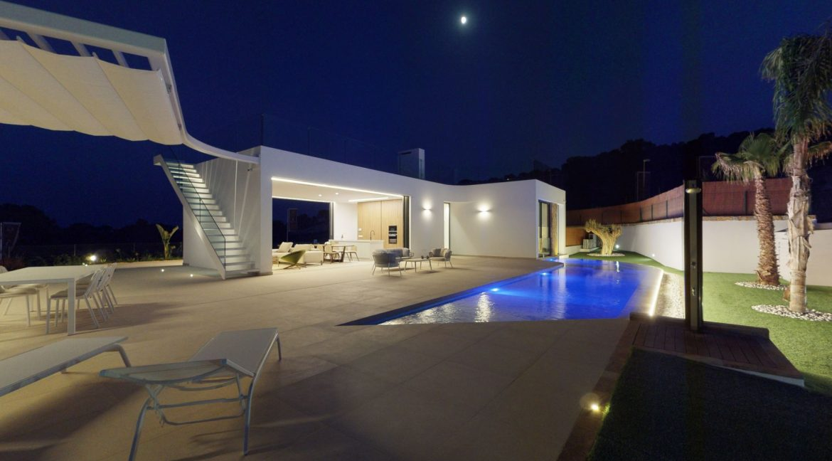 Luxury 3 or 4 Bedrooms Villas with Basement and Saltwater Pool in Las Colinas Golf (1)