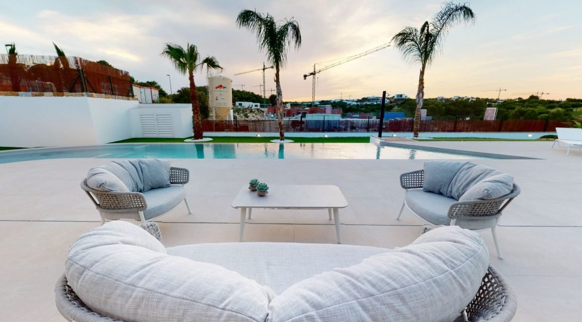 Luxury 3 or 4 Bedrooms Villas with Basement and Saltwater Pool in Las Colinas Golf (16)