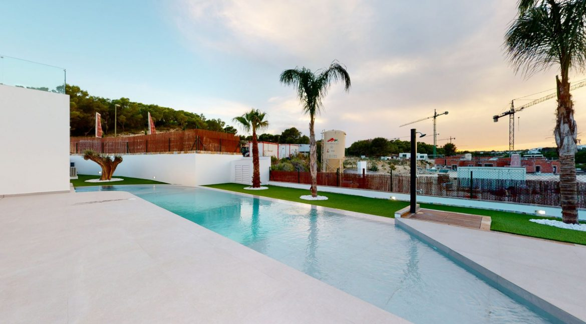 Luxury 3 or 4 Bedrooms Villas with Basement and Saltwater Pool in Las Colinas Golf (24)
