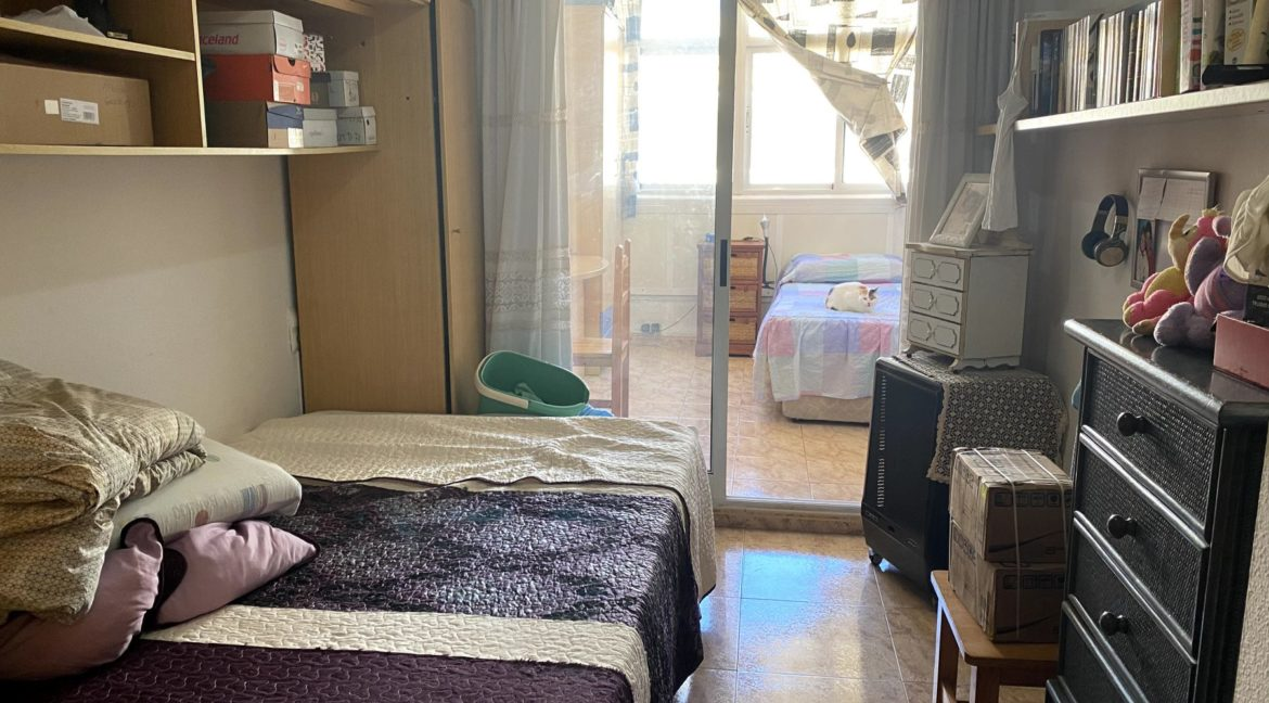 Sunny One Bedroom Penthouse For Sale In Torrevieja With Swimming Pool (23)