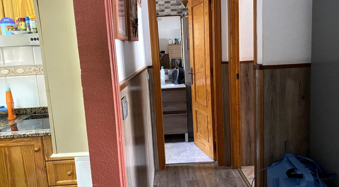 Sunny One Bedroom Penthouse For Sale In Torrevieja With Swimming Pool (33)