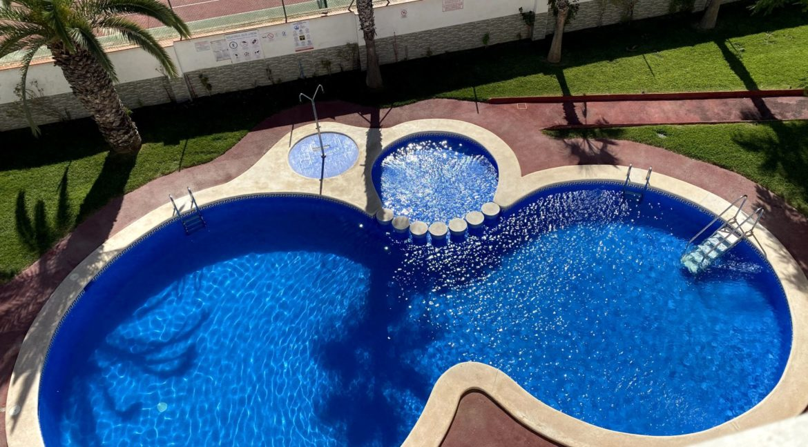 Sunny One Bedroom Penthouse For Sale In Torrevieja With Swimming Pool (36)